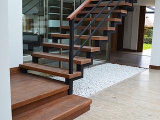 SINC Modern Corridor, Hallway and Staircase Wood effect
