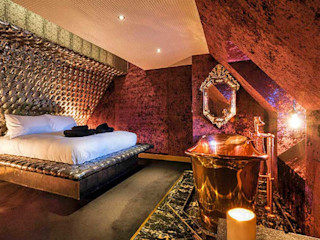 The Crazy Bear Hotel Stadhampton Porcel-Thin Eclectic style hotels Marble Black