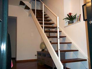 Tecno Metal Professional Welding Pasillos, vestíbulos y escaleras de estilo moderno
