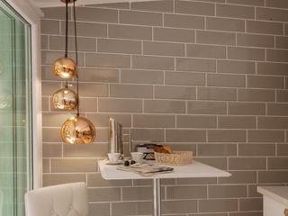 Luxury Apartment in Rome-Piazza di Spagna Tania Mariani Architecture & Interiors Cucina eclettica Ceramica Ambra/Oro