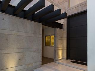 Grupo Arsciniest Modern Houses Metal Black