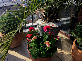 AYTÜL TEMİZ LANDSCAPE DESIGN Tropical style balcony, veranda & terrace