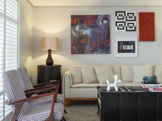 Johnny Thomsen Arquitetura e Design Salas de estilo ecléctico Madera Multicolor