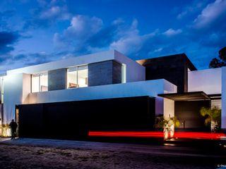 BAG arquitectura Modern Houses Iron/Steel White