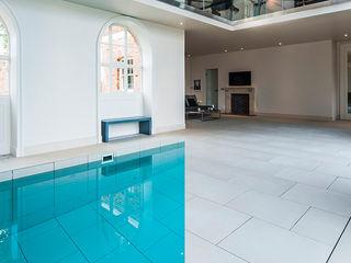 Hadley House Aqua Platinum Projects Piscinas de estilo clásico