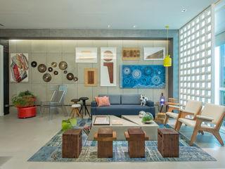 Emmilia Cardoso Designers Associados Ruang Studi/Kantor Gaya Industrial