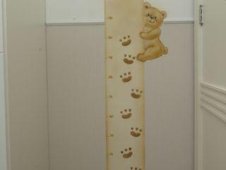 Emmilia Cardoso Designers Associados Classic style nursery/kids room