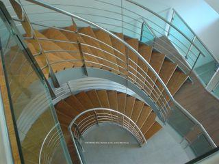 DYOV STUDIO Arquitectura, Concepto Passivhaus Mediterraneo 653 77 38 06 Vestíbulos, pasillos y escalerasEscaleras Madera Marrón