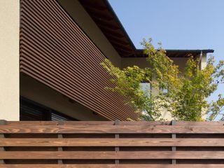 アトリエ・ブリコラージュ一級建築士事務所 Rumah Gaya Eklektik Kayu Wood effect