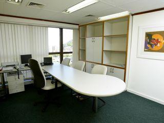 Emmilia Cardoso Designers Associados Modern study/office