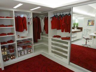 Emmilia Cardoso Designers Associados Classic style bedroom
