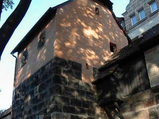 Denkmalgerechte Sanierung Turm X , Spittlertormauer Nürnberg welschwalls.com Klassische Häuser