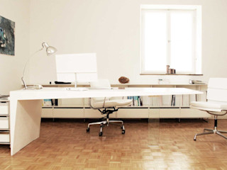 Mensch + Raum Interior Design & Möbel Oficinas de estilo moderno