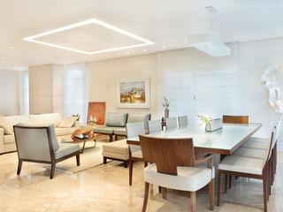 studio VIVADESIGN POR FLAVIA PORTELA ARQUITETURA + INTERIORES Salones de estilo moderno Blanco