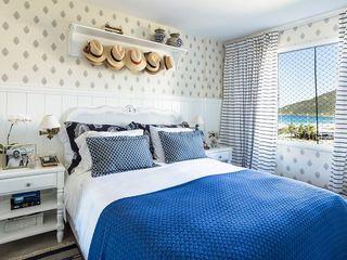 Flavia Guglielmi Arquitetura 地中海スタイルの 寝室