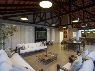 Cabral Arquitetura Ltda. Tropical style balcony, porch & terrace Bamboo