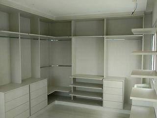 GMT marcenaria BedroomWardrobes & closets