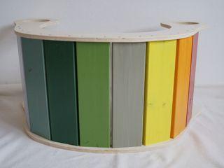 Eine Regenbogenwippe fürs Kinderzimmer Schwesternliebe&Wir KinderzimmerSpielzeug Holz