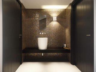 Ecker Keukens en Interieur Baños de estilo moderno
