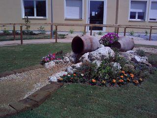 Studio Angius - Pisano Mediterranean style garden Ceramic Multicolored