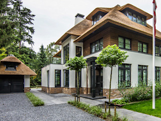DENOLDERVLEUGELS Architects & Associates Country style houses
