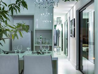 AD ARQUITETURA E DESIGN Ingresso, Corridoio & Scale in stile moderno MDF Verde