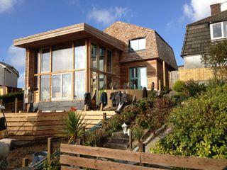 Wadebridge Responsive Home Innes Architects モダンな 家 木