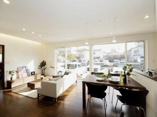 Live Sumai - アズ・コンストラクション - Living room Wood White
