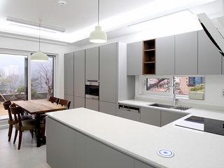 엔디하임 - ndhaim 現代廚房設計點子、靈感&圖片 Grey