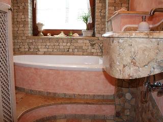 Villa Medici - Landhauskuechen aus Aschheim 浴室 大理石 Pink
