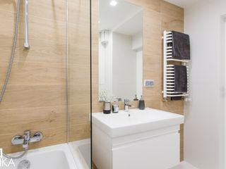 TIKA DESIGN Modern Bathroom