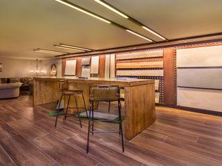 Nueva Tienda y Showroom de cerámica en Madrid Apersonal Espacios comerciales de estilo ecléctico Cerámico Acabado en madera
