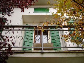 Contesini Studio & Bottega Classic style balcony, veranda & terrace Wood Green