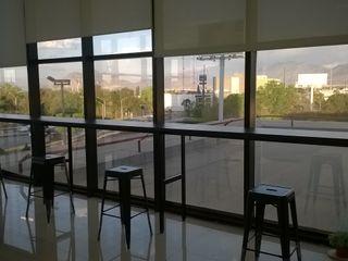 Muebles Modernos para Oficina, S.A. Bureau industriel Bois composite Noir