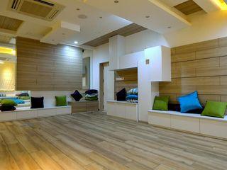 Offcentered Architects غرفة المعيشة
