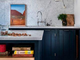 W12 Kitchen by British Standard British Standard by Plain English ห้องครัว ไม้ Blue