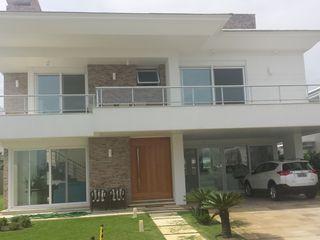 Biazus Arquitetura e Design Rumah Modern