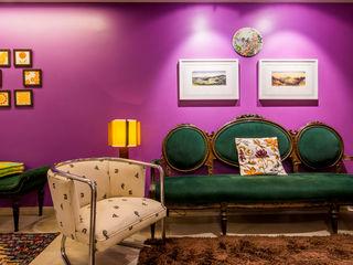 Apartamento Eclético Enzo Sobocinski Arquitetura & Interiores Salas de estar ecléticas Derivados de madeira Multi colorido