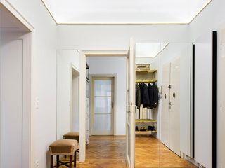 IFUB* 現代風玄關、走廊與階梯
