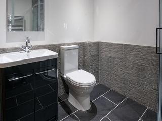 Mallards View, Devon, UK Trewin Design Architects Salle de bain moderne