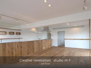 studio m+ by masato fujii Sala da pranzo in stile scandinavo Legno Effetto legno