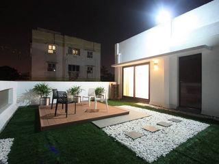 Ansari Architects Balcones y terrazas de estilo moderno