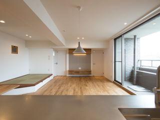 Sakurayama-Architect-Design Nowoczesny salon