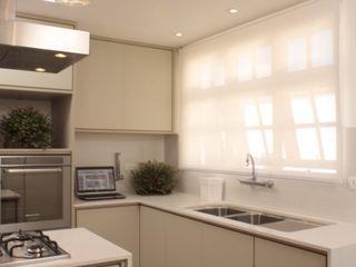 Fernanda Moreira - DESIGN DE INTERIORES Mediterranean style kitchen
