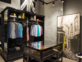 Arquitetura Ao Cubo LTDA Oficinas y comercios de estilo industrial