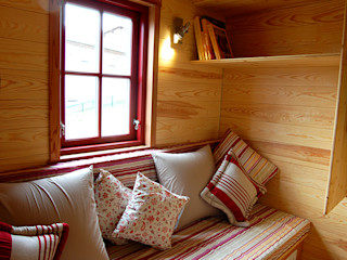 TINY HOUSE CONCEPT - BERARD FREDERIC Casas de estilo ecléctico