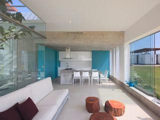 Casa Maple Martin Dulanto Ruang Keluarga Modern