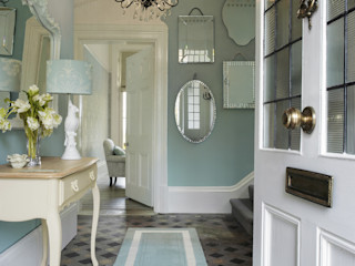 Laura Ashley Decoración Classic style corridor, hallway and stairs Blue