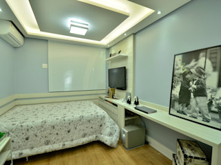 dormitório adolescente Graça Brenner Arquitetura e Interiores Quartos modernos Derivados de madeira Cinza