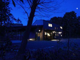 Mimasis Design/ミメイシス デザイン Rumah Modern Black